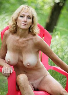 Latina milf in tee shirt nude pinterest