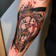 Tatuagem criada por Gustavo Takazone de Álvares Machado - SP.    Leão colorido.
