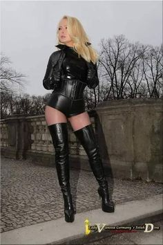: shmoothandshiny: For All The Lady Vanessa Fans Out. Big Black Boots, Lady Ann, Latex Lady, Thigh High Boots Heels, Leather Corset, Belle Photo, Leather Fashion, Sexy Outfits, Blog