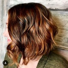 A line lob with a bronde balayage by Katelyn @ collagesalon
