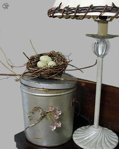 How To Embellish Tin Containers - Rustic Crafts & Chic Decor Rustic Chic Decor, Rustic Crafts, Rustic Shabby Chic, Rustic Style, Country Style, Vintage Tins, Vintage Decor, Tin Can Crafts, Tin Containers