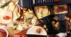 Apprenez tout sur la raclette...de la tradition suisse à la vôtre. Fondue Raclette, Fondue Recipes, Guide, Brunch, Cooking, Ethnic Recipes, Sauces, Plaque, Buffet