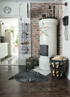 Love these Scandinavian stoves Vintage Industrial Decor, Industrial Interiors, Industrial Office, Industrial Lighting, Modern Industrial, Industrial Design, Scandinavian Living, Cozy House, Home Living Room
