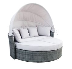 This luxury rattan day bed is ideal for lazy summer days and makes a fantastic feature for your garden or conservatory. Easily convertible into sofa.