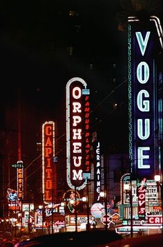 Neon Lights In City. Vancouver was the for amount of Neon lighted signs.Because you can see them in the rain! Old Neon Signs, Vintage Neon Signs, Old Signs, Robert Doisneau, Saul Leiter, Fred Herzog, Canada, Graphic Design Blog, Retro Design