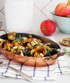 Roasted delicata squash with apples, pearl onions, thyme, sage, and kale makes a delicious Thanksgiving side or fall dinner. Topped with crunchy toasted pepitas and tangy apple cider vinaigrette. Make-ahead friendly! Vegetarian Thanksgiving, Thanksgiving Side Dishes, Thanksgiving Recipes, Thanksgiving Holiday, Winter Recipes, Delicata Squash Recipe, Roasted Squash, Butternut Squash, Squash Soup