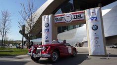 Start ArabellaClassics 2016 vor der BMW Welt, München am 29.04.2016