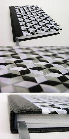 Libreta forrada de liaton blanco, gris y negro