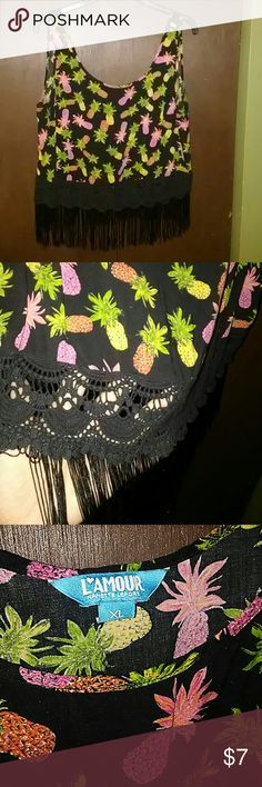 Pineapple tank top Worn maybe once or twice. No stretch snd true to size. Cute flowly thin top. Tops