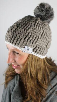 Haak vast zo'n lekkere warme wintermuts van myboshi met pompon! Kijk voor de gratis werkbeschrijving op CraftKitchen.nl.