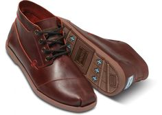 TOMS+ Oxblood Full-grain Leather Ridge Men's Botas; One pair of shoes is donated to a child in need for every pair sold