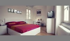 John B .&B. Lucca John B .&B. Is located in the Centro Storico district in Lucca, 300 metres from Guinigi Tower and 7 km from Villa Reale.  John B .&B. Features free WiFi throughout the property. A flat-screen TV with cable channels is available.