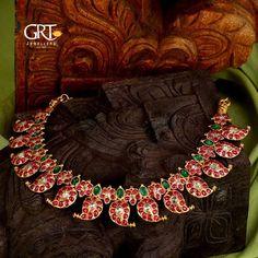 Antic Jewellery, Antique Jewellery Designs, Gold Jewellery Design, Temple Jewellery, Gold Necklace Simple, Gold Pearl Necklace, Antique Necklace, Spike Necklace, Gold Necklaces
