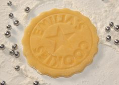 Cookie Stamp Bisciut Stamp personalized with your Name par dueTORI, Safe Food, Biscuits, Cookies, Desserts, Facebook, Diy, Wedding, Cookie Stamp, Crack Crackers