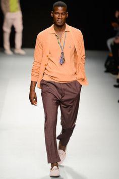 Vivienne Westwood - Marrom e laranja, nice.