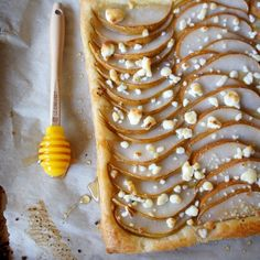 Pear, Goat Cheese and Honey Tart. Goat cheese creeps me out though, maybe I could try ricotta. Tart Recipes, Dessert Recipes, Pear Dessert, Goat Cheese, Blue Cheese, How Sweet Eats, Just Desserts, Love Food, Quiche