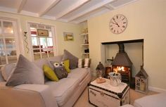 Yew Tree Cottage   Totnes   Toad Hall Cottages