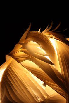 Washi paper lamp by Kayo SAWAMURA, Japan  SOOOOO Beautiful!