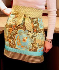 DIY Clothes Refashion: DIY Reversible Cafe Apron