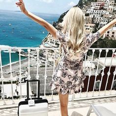 We love seeing you ladies in your fave Hello Molly styles! Here's @christie_vienna living it up and looking gorgeous in Positano in our Get Free dress! Tag us and #hellomollyfashion in your best Hello Molly looks 🌸 SHOP via the link in our bio #hellomollyfashion