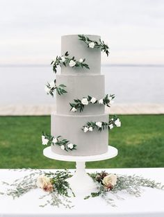 Lillian Rose Caucasian Bride and Groom Wedding Cake Topper - Ideal Wedding Ideas Floral Wedding Cakes, White Wedding Cakes, Elegant Wedding Cakes, Beautiful Wedding Cakes, Wedding Cake Designs, Wedding Cupcakes, Wedding Cake Toppers, Floral Cake, Elegant Cakes