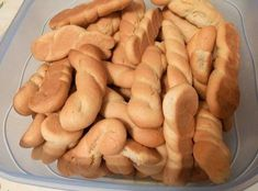 Greek Easter, Bread Cake, Biscotti, Sweet Recipes, Sausage, Recipies, Potatoes, Sweets, Vegan