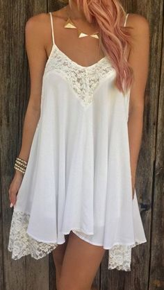 This chiffon slip dress is for curvy girls. The dress has an v neck and as well as a crop top layer. The waist as a semi-sheer insert, while back has zip back fastening. The dress reaches down to the Sexy Dresses, Cute Dresses, Casual Dresses, Cute Outfits, Loose Dresses, Mini Dresses, Boho Outfits, Formal Dresses, Look Fashion