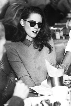 Kristen Stewart ❤ a little bit styled like audrey hepburn :)