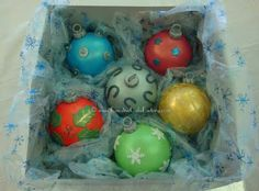 Christmas cake balls... I wonder if I can make them look anywhere close to these?