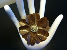 Wood Grain and Gold Tone Flower Brooch