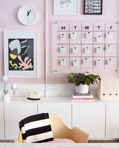Home office gracinha pra começar o dia ❤️