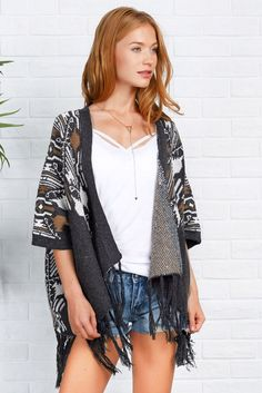 Cupshe Flutter Free Jacquard Knitting Poncho