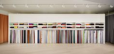 kvadrat-aoyama-open_02 Curtain Shop, Exhibition Room, Fabric Display, Boutique Interior, Commercial Architecture, Shelf Design, Fabric Shop, Zara Home, Interior Design
