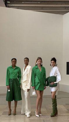 Look Fashion, Runway Fashion, Fashion Models, High Fashion, Fashion Show, Fashion Outfits, Fashion Design, Student Fashion, School Fashion