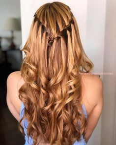 Penteados para formatura com cabelo solto e liso Long Curly Hair, Curly Hair Styles, How To Make Hair, Messy Hairstyles, Prom Hairstyles, Ombre Hair, Hair Inspo, Hair Hacks, Her Hair