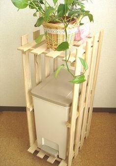 すのこを使ったキッチン家具(収納棚)