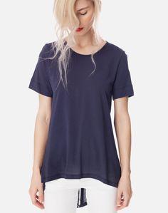 Ασύμμετρη μπλούζα με κουμπιά V Neck, Tops, Women, Fashion, Moda, Women's, La Mode, Shell Tops, Fasion