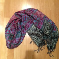 Perfect scarf Scarf has various animal prints and sparkles. Bundle to save 20% on your order! Accessories Scarves & Wraps