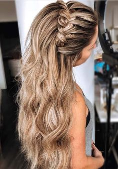 25 Glamorous Wedding Hair Half Up Half Down Hairstyles glamorous and timeless wedding hair half up half down hairstyles; wedding hairstyles trendy hairstyles and colors wedding hairstyles half up half down; wedding hairstyles for long hair; Plaits Hairstyles, Braided Hairstyles For Wedding, Hairstyles With Headbands, Hairstyles For Graduation, Easy Hairstyles, Hairstyles Pictures, Braided Prom Hair, Summer Wedding Hairstyles, Amazing Hairstyles