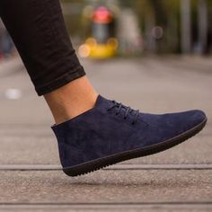 GROUNDIES® Milano Women - Barefoot lace-up shoe MilanoSimple and classic: The Milano is an ankle-high lace-up shoe, manufactured in Portugal. Lace Up Shoes, Cute Shoes, Men's Shoes, Barefoot Boots, Simple Style, My Style, Exclusive Shoes, Casual Summer Outfits, Shoe Collection