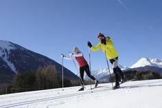Een van de meest beoefende wintersporten op het Sonnenplateau Miemingen is langlaufen! Kom je ook de loipe ontdekken? Via de website vind je de up to date loipe kaart met alle routes!