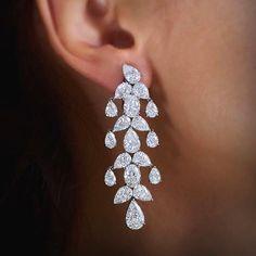 The spectacular Eden Chandelier #Diamond #Earrings will take her breath away. #WilliamGoldberg