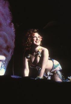 Better Midler in her Clams on the Half Shell Revue Bette Midler, Jazz Musicians, Sandra Bullock, Beautiful Smile, Beautiful Celebrities, Movie Stars, Divas, Stuff Stuff, Hollywood
