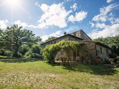 How Airbnb Is Competing With 5-Star Hotels (Tuscan. Villas.)
