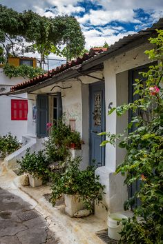 Favourite place in Athens ~Anafiotika Attica Greece, Athens Greece, Greece Time, Mykonos Greece, Crete Greece, Beautiful Streets, Beautiful World, Beautiful Places, Places To Travel
