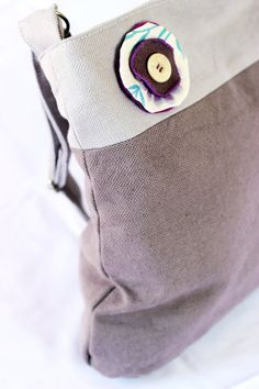 Borsa fatta a mano in cotone pesante (viola chiaro e scuro) - Handmade bag in heavy cotton fabric (light/dark violet)