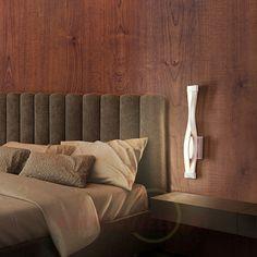 Eine moderne Variante der #Nachttischlampe: Leichtes #Design, warmweißes Licht und genügend #Helligkeit für wunderbar gemütliche Lesestunden.