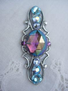 Mainland Bindi  swarovski crystal belly dance bindi by KuhlJewels, $15.00