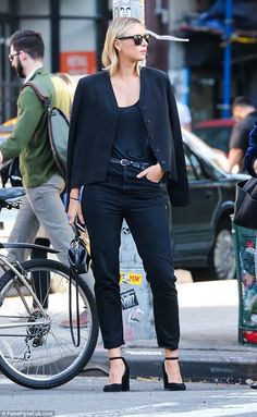 Looking shar-ap! Maria Sharapova stepped out in NY in a chic ensemble after her tennis dop...