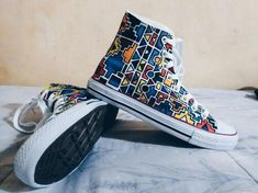 Ndebele-inspired Converse sneakers #african #design African Inspired Fashion, African Print Fashion, Tribal Fashion, African Prints, Painted Sneakers, Painted Shoes, Kitenge, African Wear, African Dress